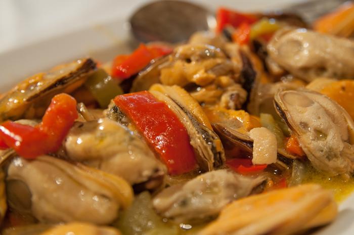 Saganaki (fried) mussels